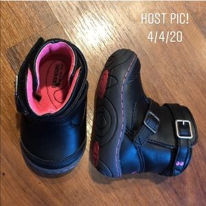 Surprise by Stride Rite Booties! Size 2. Perfect!